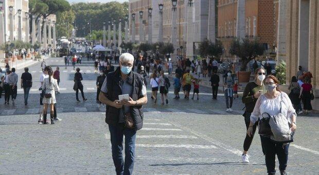 Covid, circolare della Regione Lazio: «Aumentare lo smart working e stop alle riunioni in presenza»