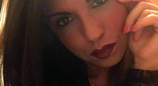 Prato, calciatore sequestra l'ex, la uccide e si suicida
