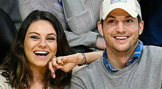 Ashton Kutcher e Mila Kunis: «Laviamo i figli solo se serve»: bufera social per le abitudini della coppia