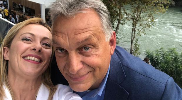 Orban attacca il governo: «Esecutivo separato da popolo». Ira Di Maio, Zingaretti: nemico dell'Italia