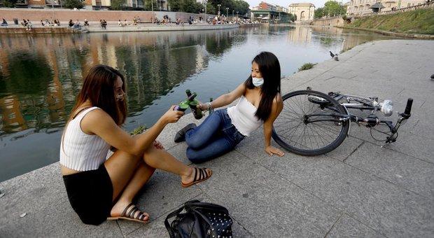Milano, vietata la vendita di bevande d'asporto dopo le 19