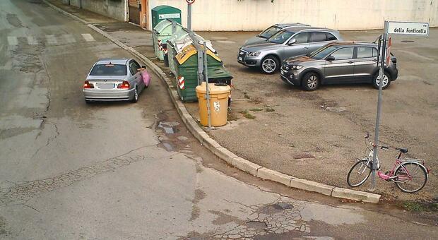 Abbandono di rifiuti: tredici furbetti incastrati dalle fototrappole
