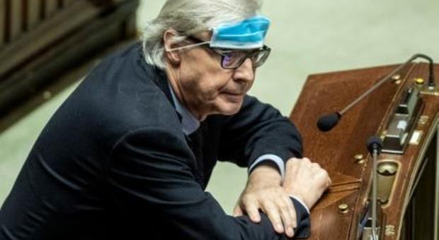 Roma, Vittorio Sgarbi candidato sindaco per il 2021 con la sua lista: «La Raggi è una calamità naturale»