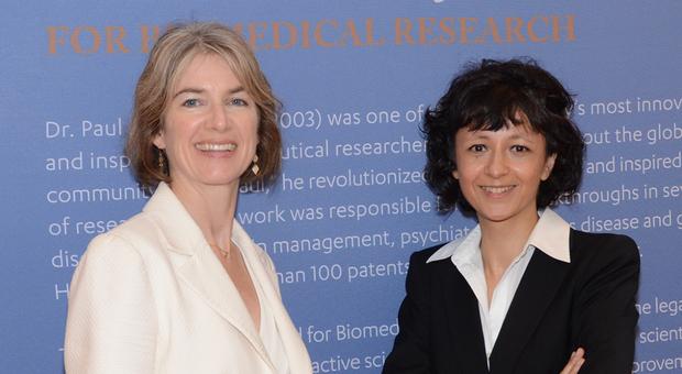 Nobel, il premio per la Chimica a Emmanuelle Charpentier e Jennifer A.Doudna Video