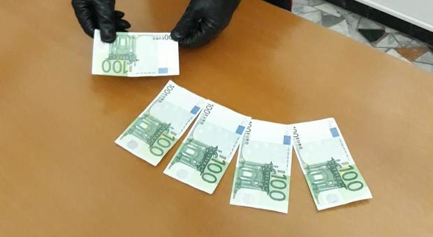 Shopping di Natale con una borsa schermata e banconote da cento euro falsi   arrestati in tre · « c8f62021c94
