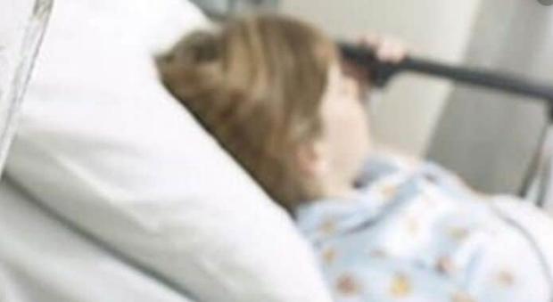 A 15 anni rifiuta il cibo: per i medici è inappetente, ma la Tac rivela 4 tumori al cervello