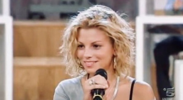 Emma Marrone, 10 anni fa iniziava la favola con Amici, i fan la celebrano: «Ti aspettiamo sul palco»