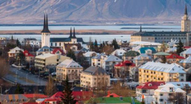 Islanda, la settimana lavorativa di 4 giorni è un successo: si lavora meno ore (con lo stesso stipendio) e si produce di più