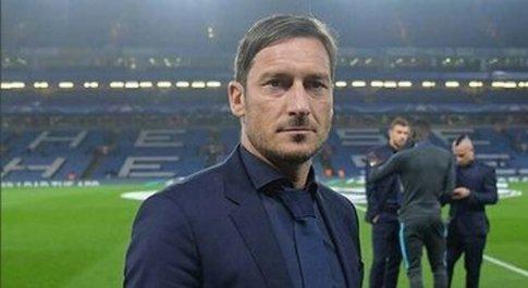 Totti tra la serie tv e lo scouting: oggi era ospite al centro sportivo del Sassuolo
