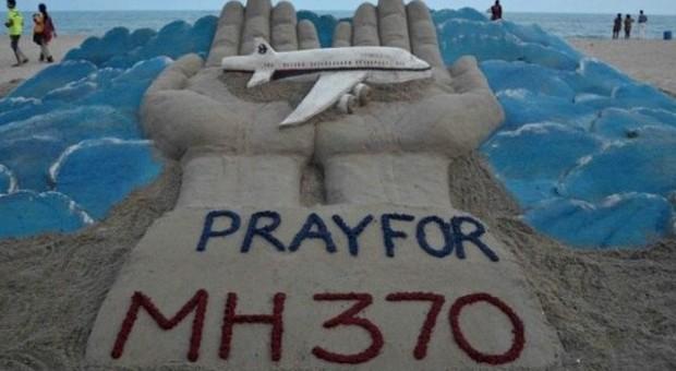 Gli ultimi minuti di vita dei 238 passeggeri sull'aereo della Malaysia Airlines, immensa bara di metallo in volo sull'oceano