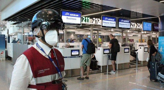 Fiumicino, 120 voli e 12 paesi europei collegati, i tedeschi i primi in arrivo: «Andiamo in Costiera e a Capri»