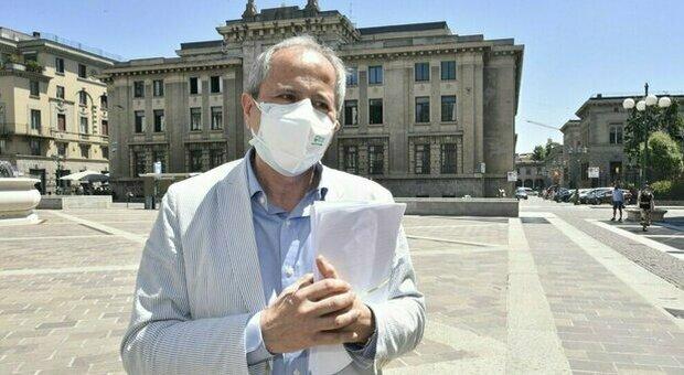 Covid, Crisanti: «Vaccino a dicembre? Pochi test, io mi preoccuperei. Mancano provvedimenti sui trasporti»