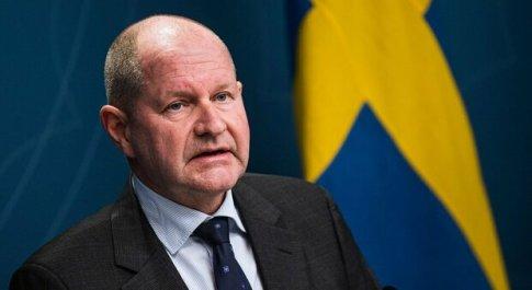 Svezia, il capo delle Emergenze: «I viaggi sono proibiti». Sorpreso a Natale alle Canarie