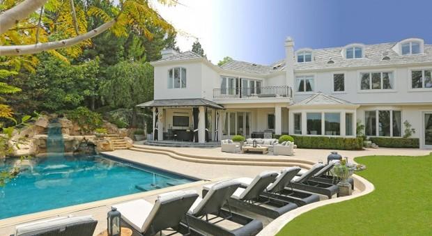 Robbie Williams: venduta per dieci milioni di dollari la villa di Beverly Hills