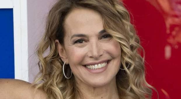 Violenza donne, Barbara D'Urso: «Scappate da uomini che vi maltrattano, anche se chiedono scusa»