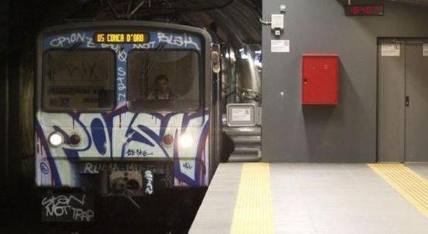 Roma, problemi alla metro b: 6 treni fermi. Esposito attacca Atac su Twitter