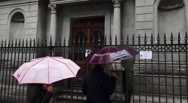 Coronavirus, la Cei polemizza con il governo per il divieto di messe e funerali, «ma faremo la nostra parte»