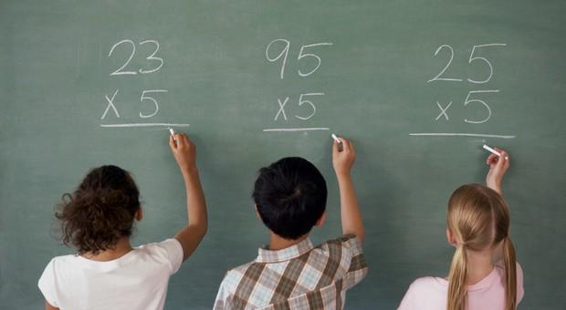 A 7 anni, con la scuola, si entra nella vita sedentaria
