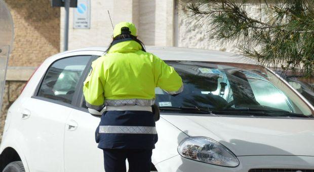 Ausiliari del traffico, meno potere di multa  I sindaci: è