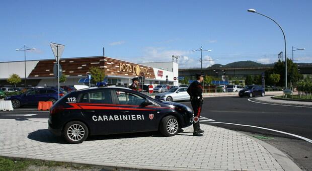Orvieto. Un cittadino segnala un'auto sospetta, i Carabinieri la fermano e identificano quattro pugliesi con precedenti