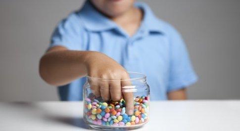 Alimentazione, Unicef: «Un bambino su tre è denutrito o sovrappeso». Allarme obesità in Italia
