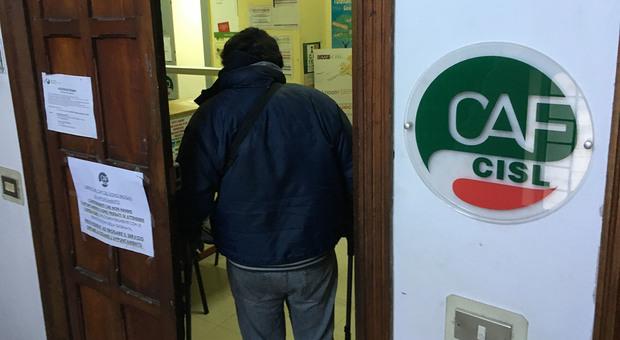 Reddito, parte dopo 10 mesi il lavoro gratuito Inviati ai Comuni i primi 8 mila volontari