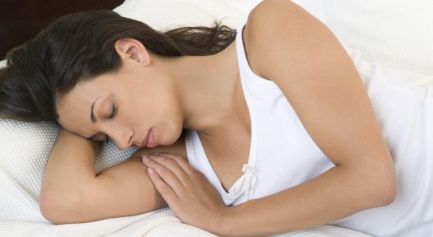 Coronavirus e sonno, mantenere i ritmi abituali: sì alla melatonina
