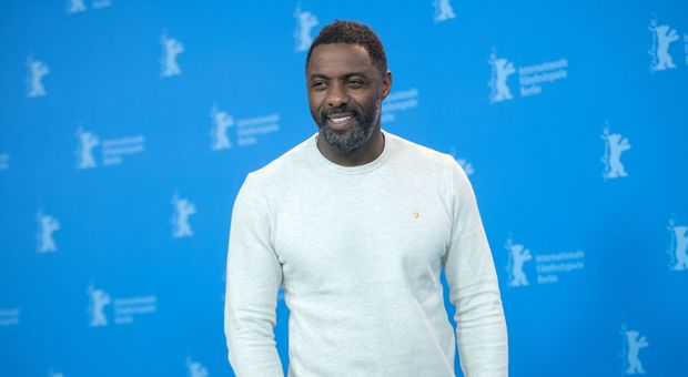 Idris Elba: l'attore è stato eletto uomo più sexy del mondo