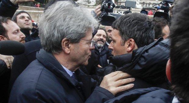 Roma, sfila il corteo antifascista: ci sono anche Gentiloni e Renzi