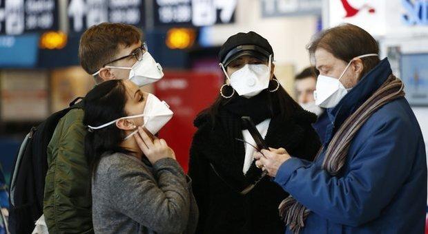 Coronavirus, vola la vendita di mascherine: più 427%, costo fino a 20 volte di più