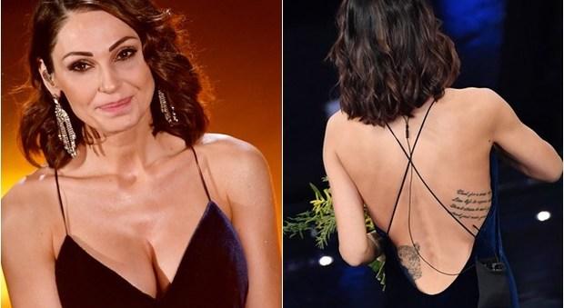 L'ultima serata del Festival di Sanremo fa parlare anche per i vestiti dei protagonisti sul palco del Teatro Ariston