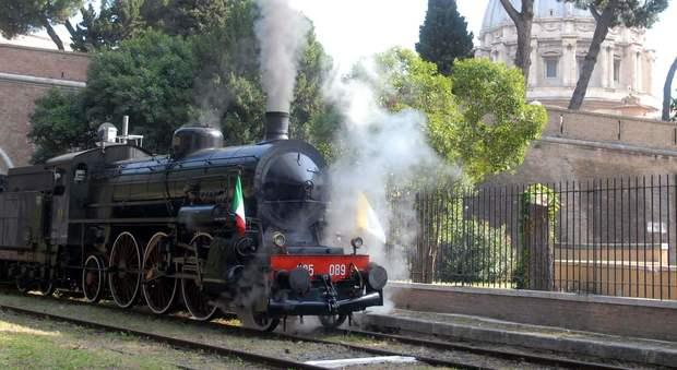 In treno a vapore fino a San Pietro: così la solidarietà festeggia il Giubileo