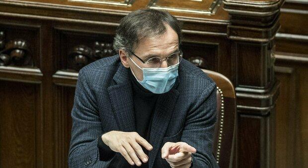 Covid e scuola, Boccia: «Il virus sta accelerando, aperture legate ai contagi»