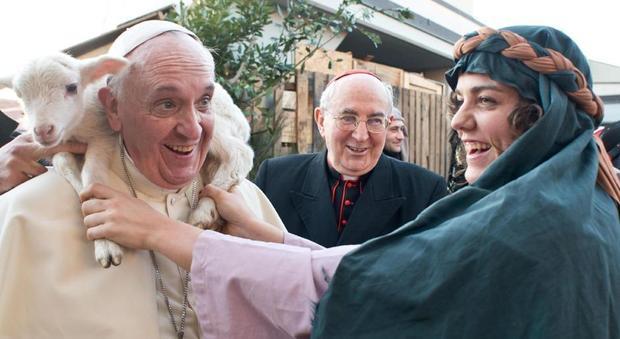 Appello dei vegani a Papa Francesco: «Basta mangiare carne, rispettiamo San Francesco di Assisi»