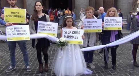 Onu, 6 milioni di baby spose l'anno: «Oltre 70mila muoiono di parto»