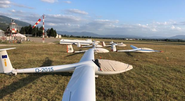 Foligno, aeroporto arriva la stazione meteo dell'Aeronautica Militare per far crescere l'avioturismo