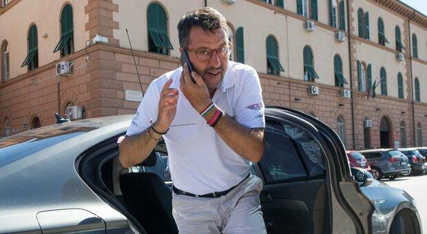 La Lega in crisi, Salvini ormai isolato non si fida dei suoi big: vecchia politica