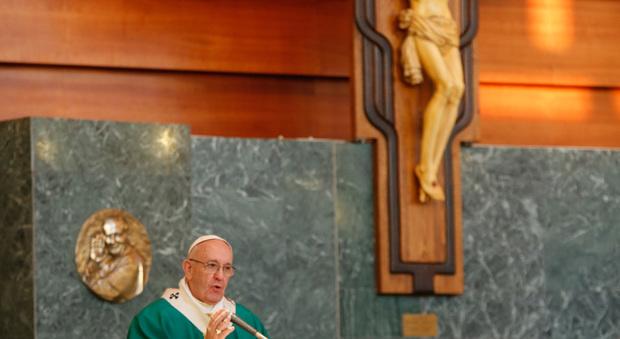 Roma, Papa Francesco in visita a Ponte di Nona (foto Davide Fracassi/Ag.Toiati)