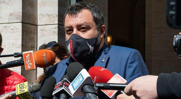Salvini: «Riaperture? Non facciamo la schedina del totocalcio. Copasir, si dimettano tutti»