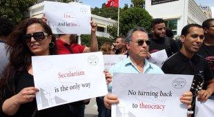 «Lasciateci aprire i bar»: in Tunisia la protesta laica anti Ramadan