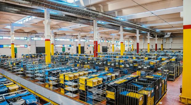 Abruzzo, apre il polo logistico Amazon: mille posti di lavoro