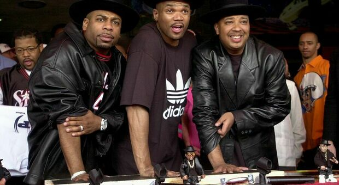 "Jason ""Jam Master Jay"" Mizell, Darryl ""DMC"" McDaniels e Joseph ""DJ Run"" Simmons"