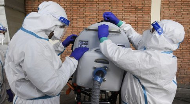 Virus, positivi 77 operatori sanitari dell'ospedale di Lodi: erano fuggiti alle rivelazioni