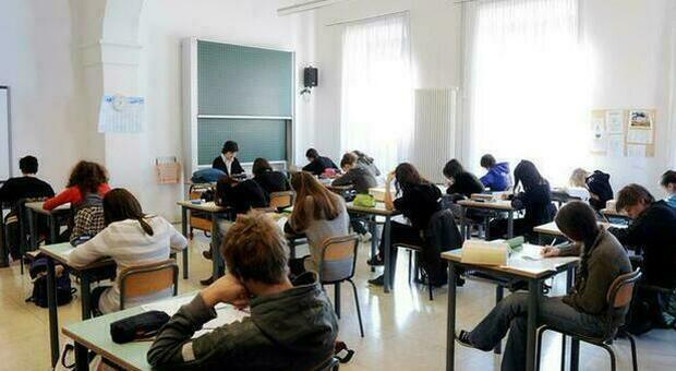 Scuola, 5,3 milioni di studenti i presenza dopo Pasqua: da martedì 687 mila ragazzi in classe nel Lazio