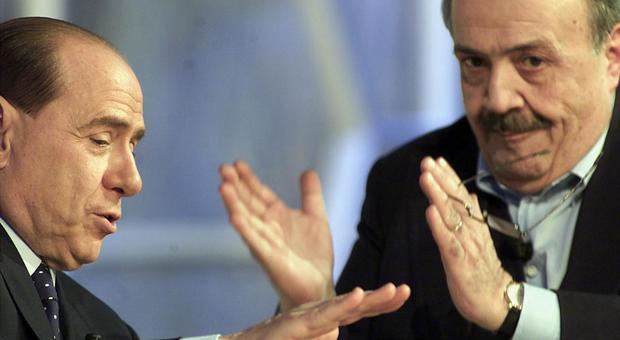 Mafia, Berlusconi indagato anche per l'attentato a Costanzo: pm lo accusano di 23 reati