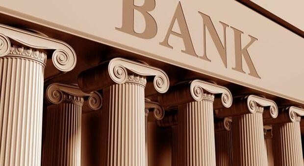 Grandi banche UE, Fitch prevede proseguimento ripresa utili