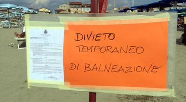 Divieti di balneazione a Rimini, Riccione e Cattolica: 13 spiagge off limits per i turisti