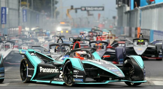 La partenza dell'ultimo E-Prix di Roma