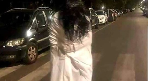 Samara challenge, il folle gioco a Roma: la bimba indemoniata presa a calci a San Basilio
