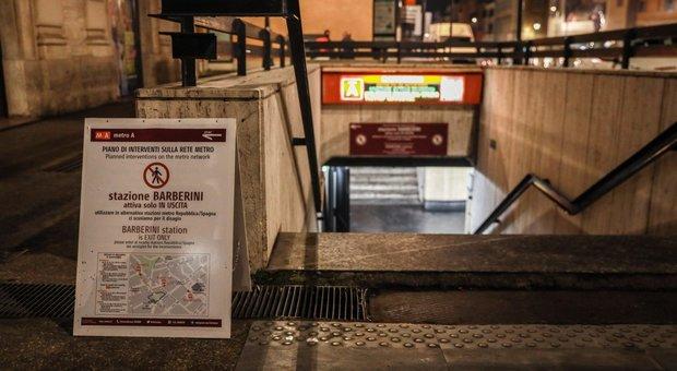 Roma, Barberini riapre nel degrado: scale rotte in 20 stazioni